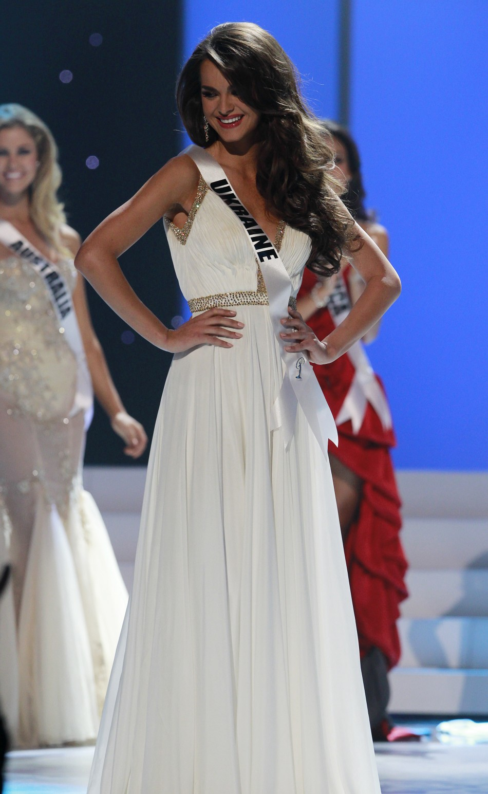 olesia stefanko miss ukraine night dress